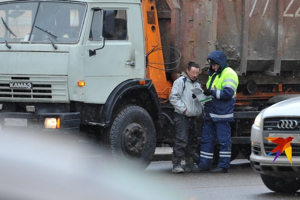У рязанского гипермаркета деревянной балкой убило 24-летнего узбека.