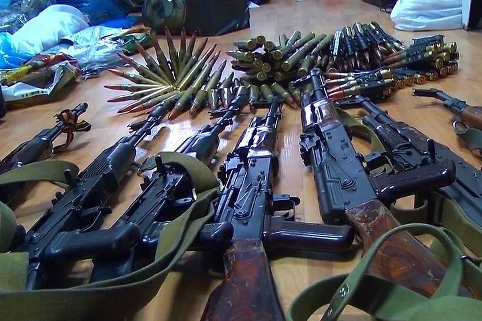 Сотрудники МВД ДНР обнаружили очередной схрон с оружием. Фото: mvddnr.ru