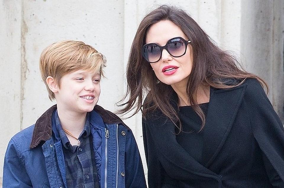 Анджелина Джоли и дочь-трансгендер стремительно теряют вес из-за стресса и таблеток