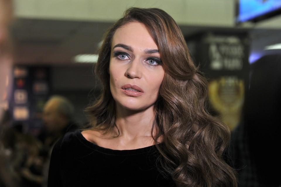 В окружении Алены Водонаевой нам рассказали, что она спит и видит себя в политике