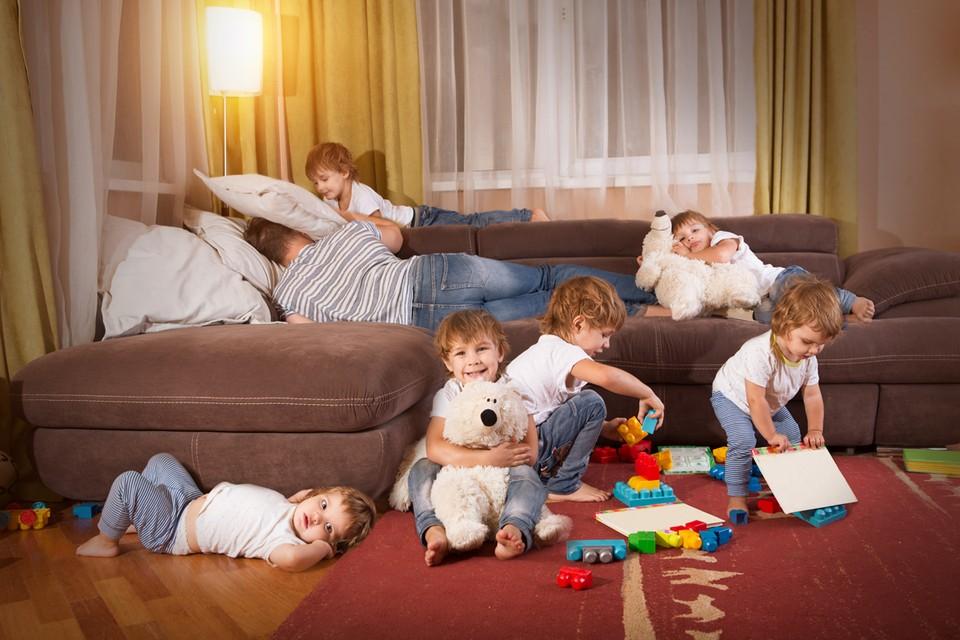 Госсовет Удмуртии предложил уравнять в правах отцов и матерей, имеющих 3 и более детей
