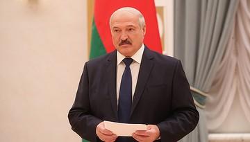 «Вплоть до того, чтобы повыбрасывать темы»: Лукашенко предлагает пересмотреть программы в школах и университетах