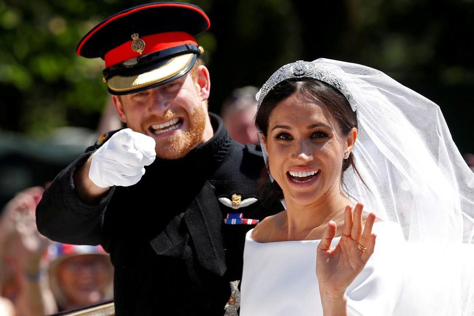 С бегством в Канаду медийных скандалов вокруг принца Гарри и Меган Маркл не поубавилось, а стало еще больше.