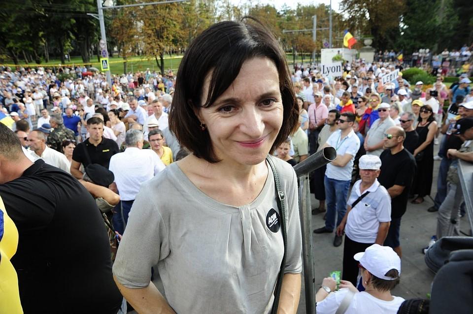Санду требует «спасти голодных» и не ремонтировать Мемориал «Вечность»: В Молдове началась борьба с народной памятью