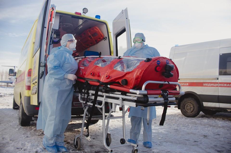 В Челябинске отрепетировали встречу борта с инфицированными.