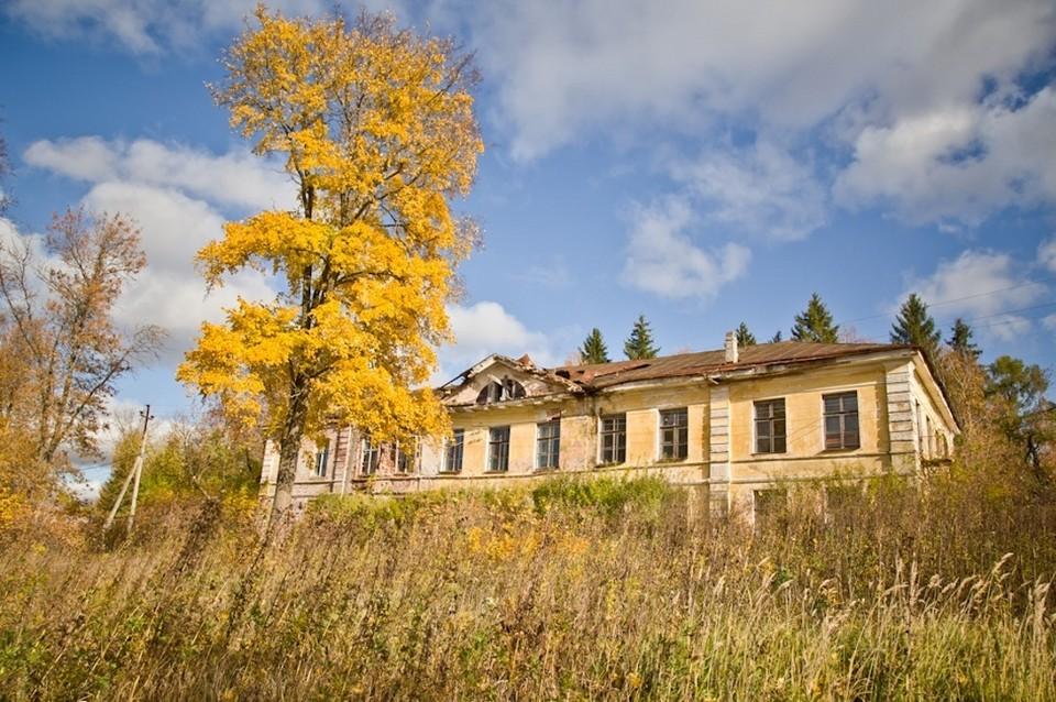 Путевой дворец в Торжке пустует уже около 14 лет. Фото: Антон Новиков