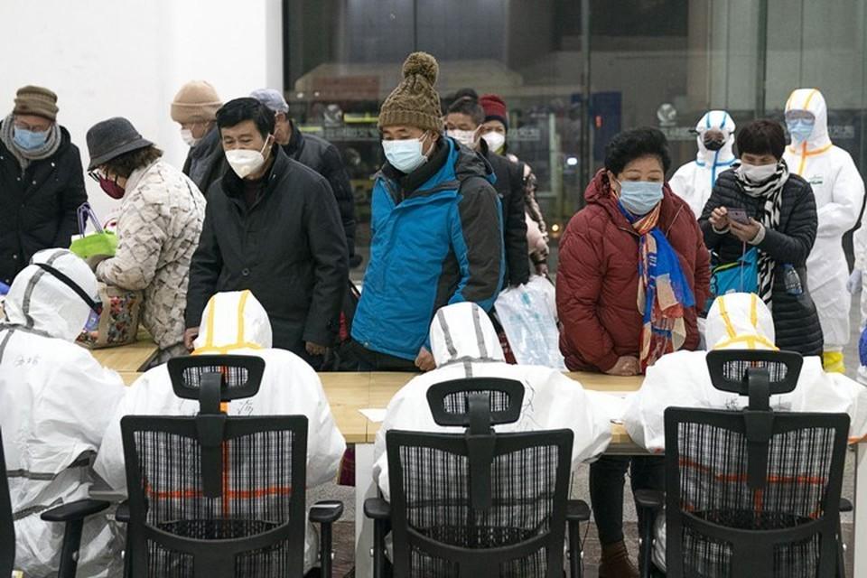 В Китае за сутки зафиксировали 2478 новых случая заражения коронавирусом