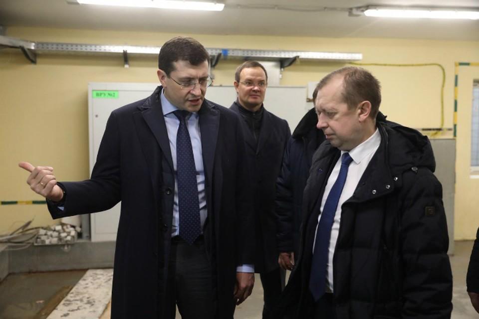 Глеб Никитин поручил провести ремонт, не дожидаясь окончания учебного года. ФОТО: Кирилл Мартынов
