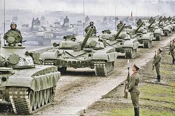 Какая армия сильнее - Российская или Советская?