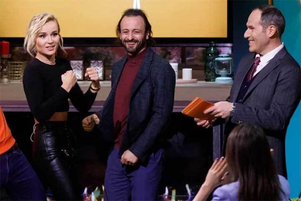 Подпись к фото: Полина Гагарина и Илья Авербух примут участие в новых выпусках шоу, которое по-прежнему ведет Михаил Шац (справа). Фото - канал СТС.