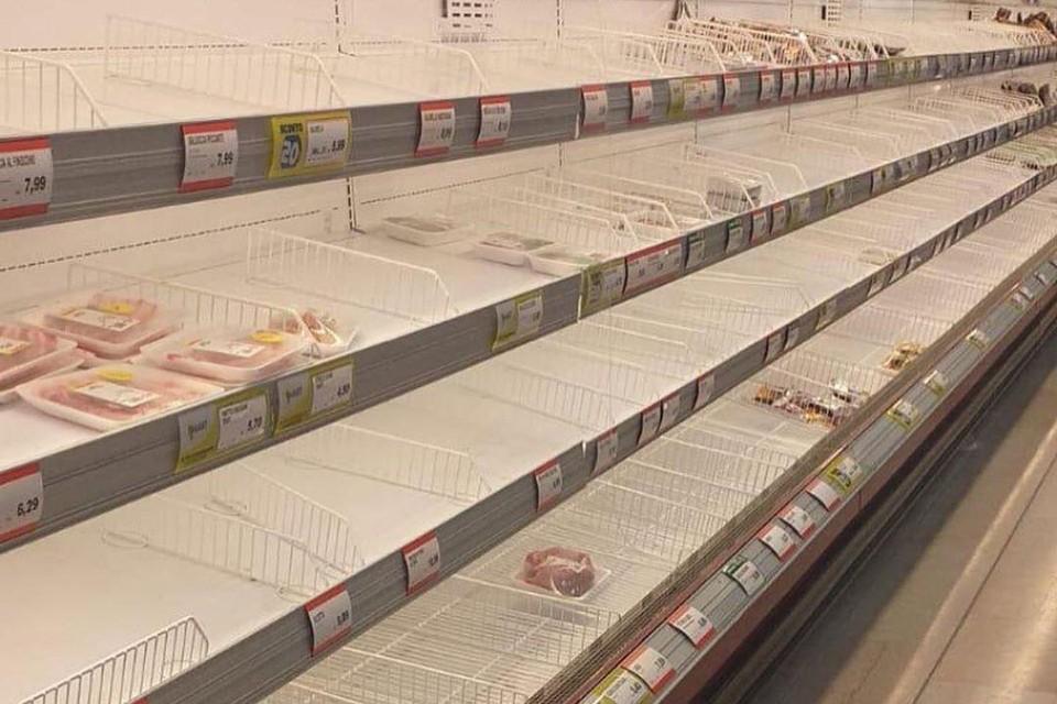 В Италии в магазинах раскупают самое необходимое. Фото: instagram.com/kutuzova.anastasia