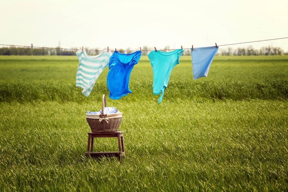 Использование подержанных товаров и одежды помогает сохранить ресурсы и снизить уровень вредных выбросов в атмосферу.