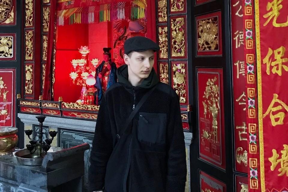 Парень застрял в Шэньчжэне, где также бушует коронавирус. Фото: www.instagram.com/street_pijon.cn