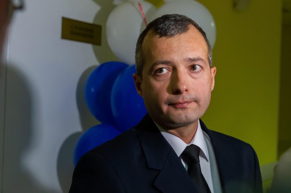 В августе Дамир Юсупов с коллегами спас больше 200 человек.