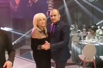 Накачанный красавец: Ирина Аллегрова вышла в свет с внуком