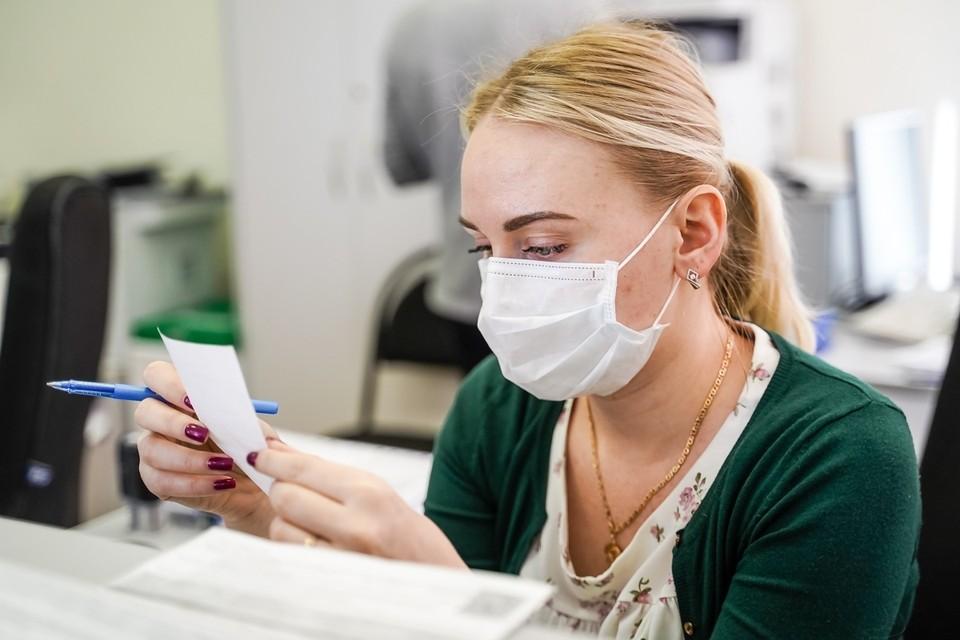 Сейчас в России производят до 1,5 миллионов масок в день
