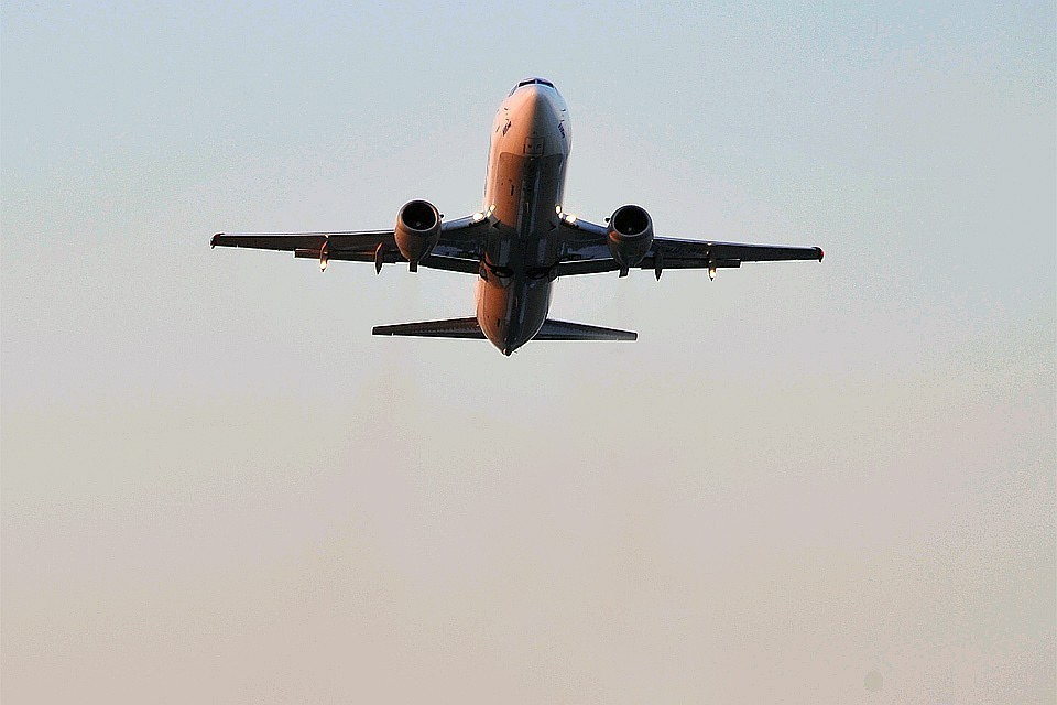 Правительство поручило полностью прекратить авиасообщение с иностранными государствами