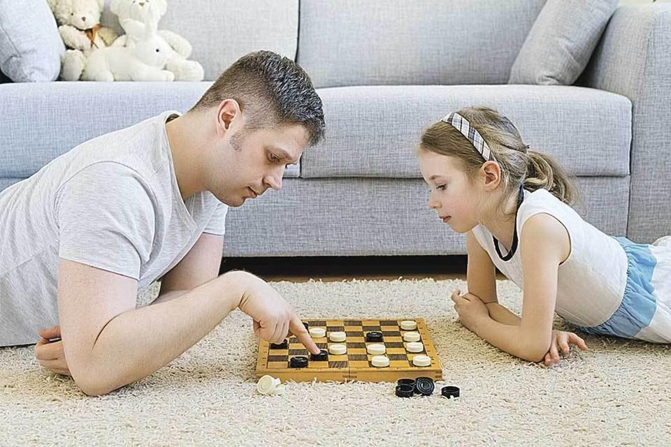 - Эх, давно не брал я в руки шашек!