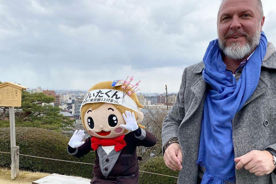 Юрий Грымов недавно вернулся из Японии и смог сравнить карантин в Стране восходящего солнца и у нас.