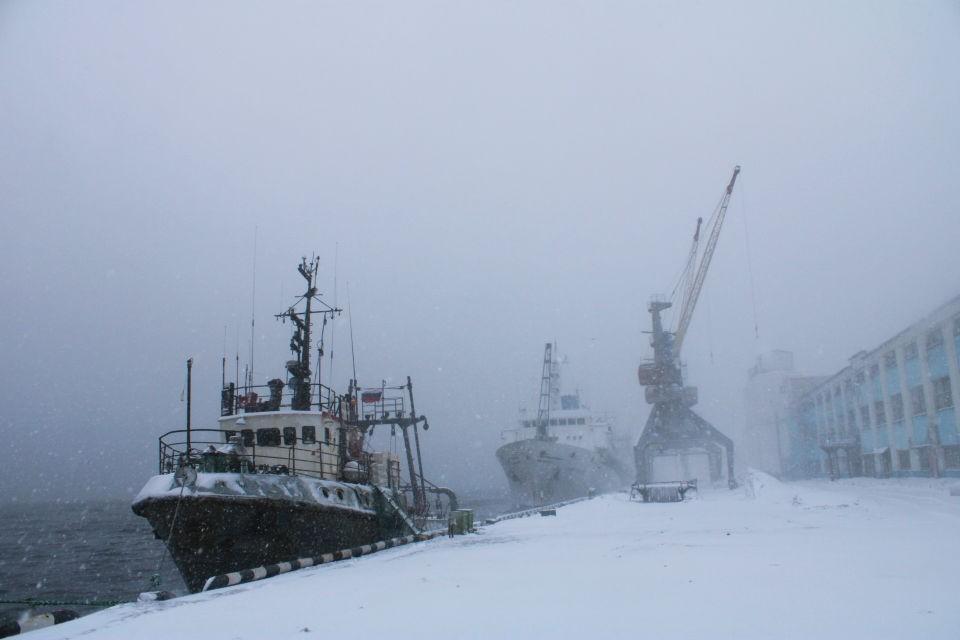 25 марта в Мурманском морском рыбном порту опять работали сотрудники ФСБ. Фото: пресс-служба ММРП