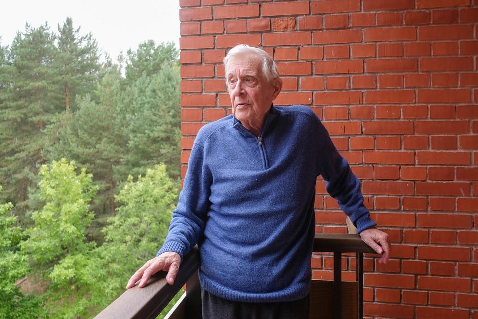 В прошлом году Олег Басилашвили отметил юбилей - знаменитому актеру исполнилось 85 лет.