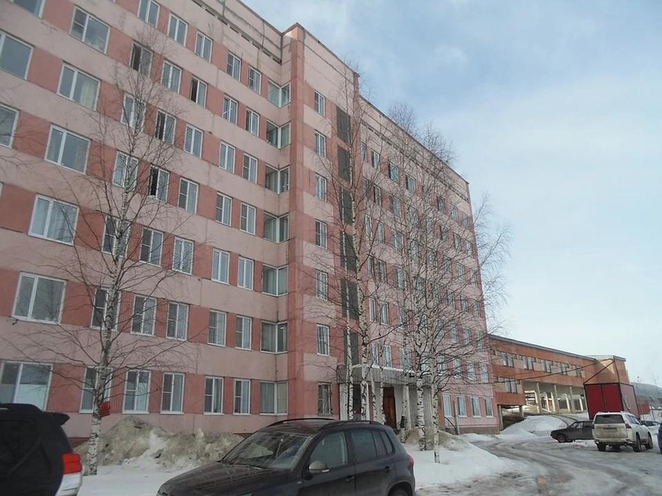 В помещении Эжвинской больницы сейчас находятся 263 человека. У 55 из них диагноз - коронавирус.