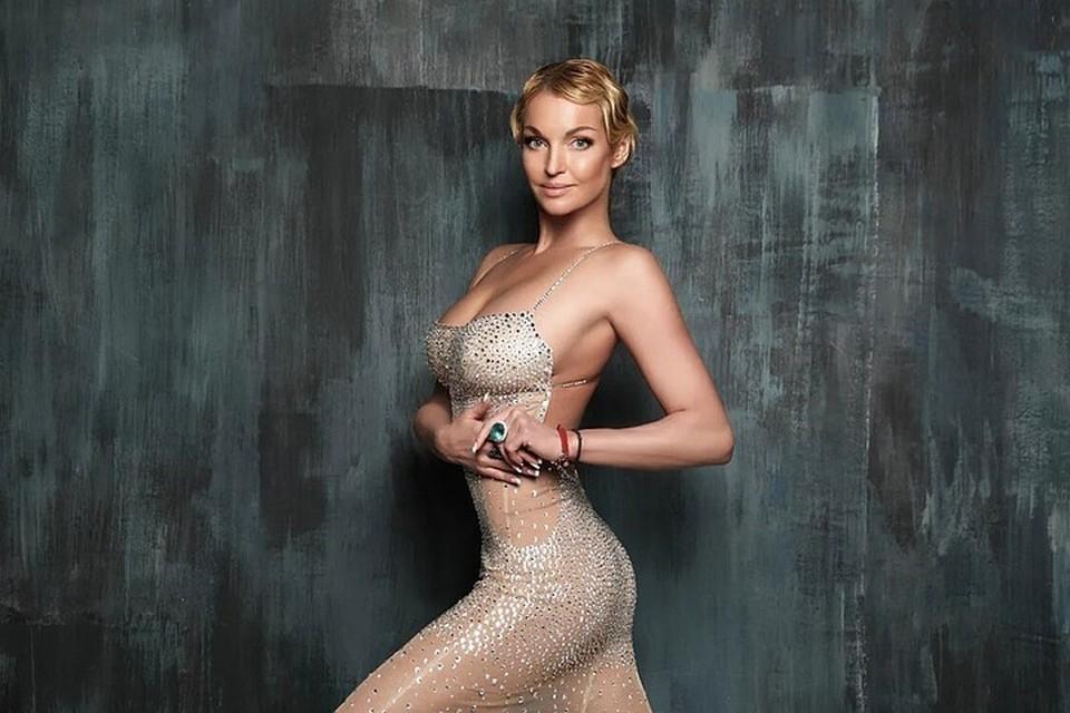 Анастасия Волочкова, как известно, с малых лет работает на износ