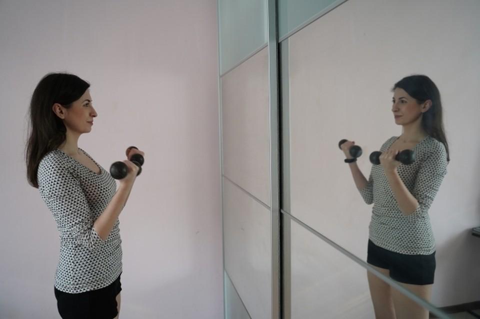 Все упражнения возможно выполнять дома, не нарушая режим самоизоляции