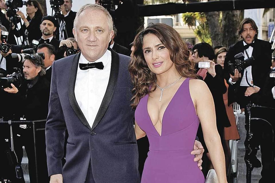 Сальма уже 10 лет счастлива в браке с миллиардером Франсуа-Анри Пино.