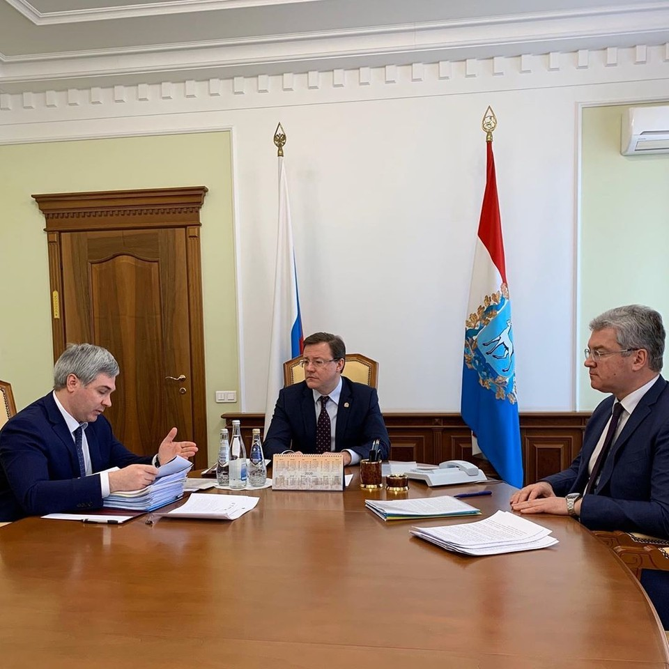 Губернатор Дмитрий Азаров решил, как в Самаре будут поддерживать бизнес. Фото: правительство Самарской области