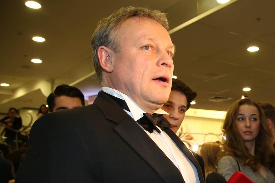Сергей Жигунов крайне редко дает интервью, и еще реже актер оставляет сообщения в блоге.