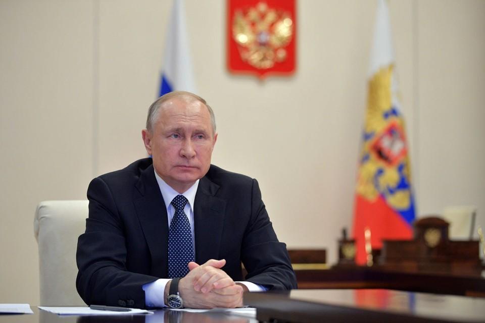 Владимир Путин 13 апреля 2020 года проведет совещание из-за ситуации с коронавирусом.