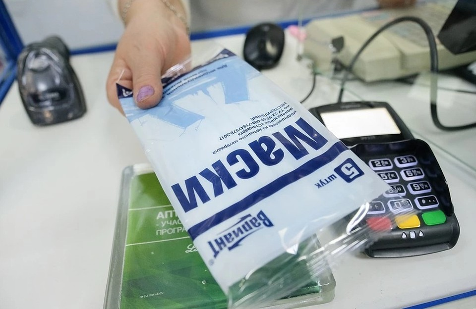 Маски из ткани будут продавать в аптеках