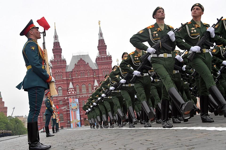 Владимир Путин, сообщив что Парад переносится исходя из заботы о здоровье сограждан