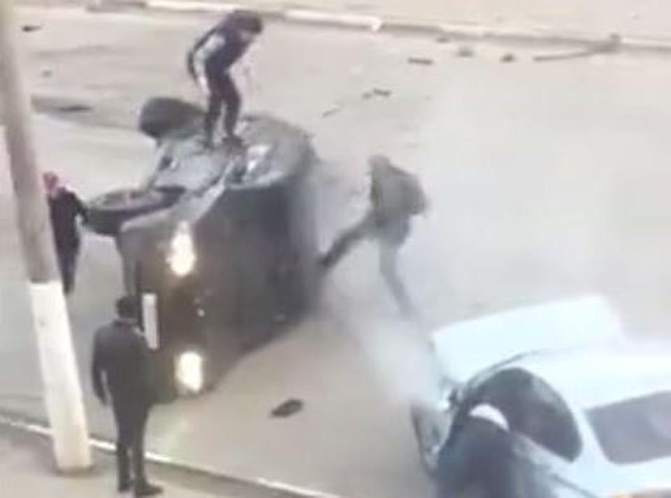 """Кадр из видео из группы """"Подслушано автомобилисты Владимир"""""""