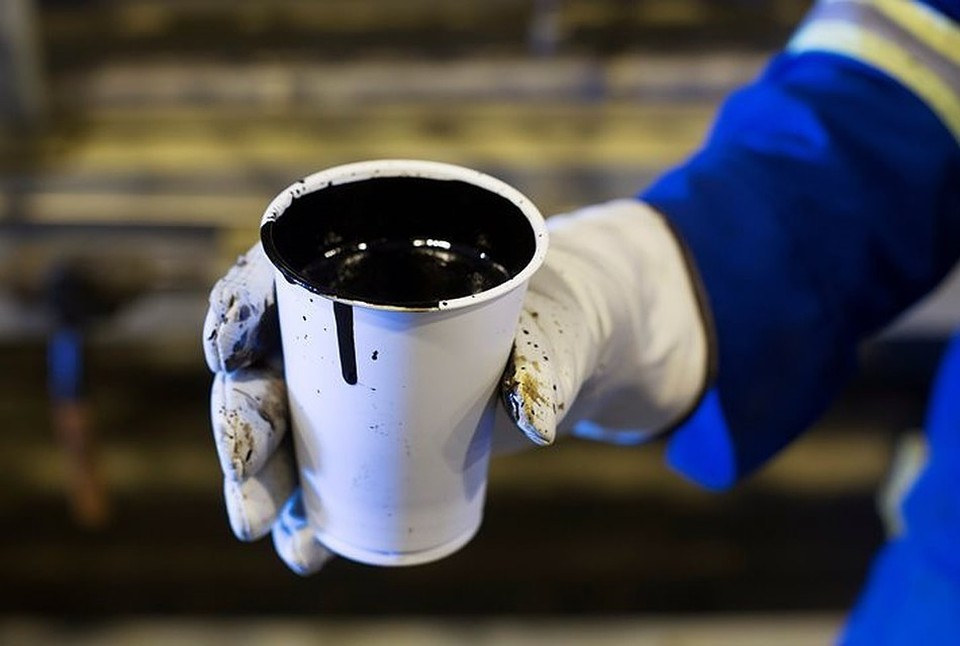 Стоимость нефти Brent опустилась ниже 18 долларов за баррель впервые с января 2002