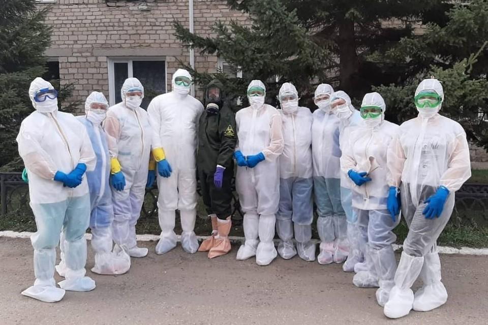 Змеиногорские медики инфекционного госпиталя. Фото: минздрав Алтайского края