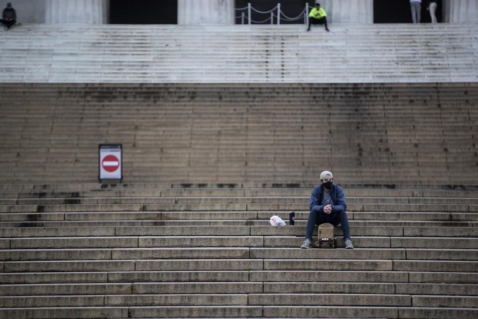 Уровень безработицы в США может вырасти до 16 процентов в мае