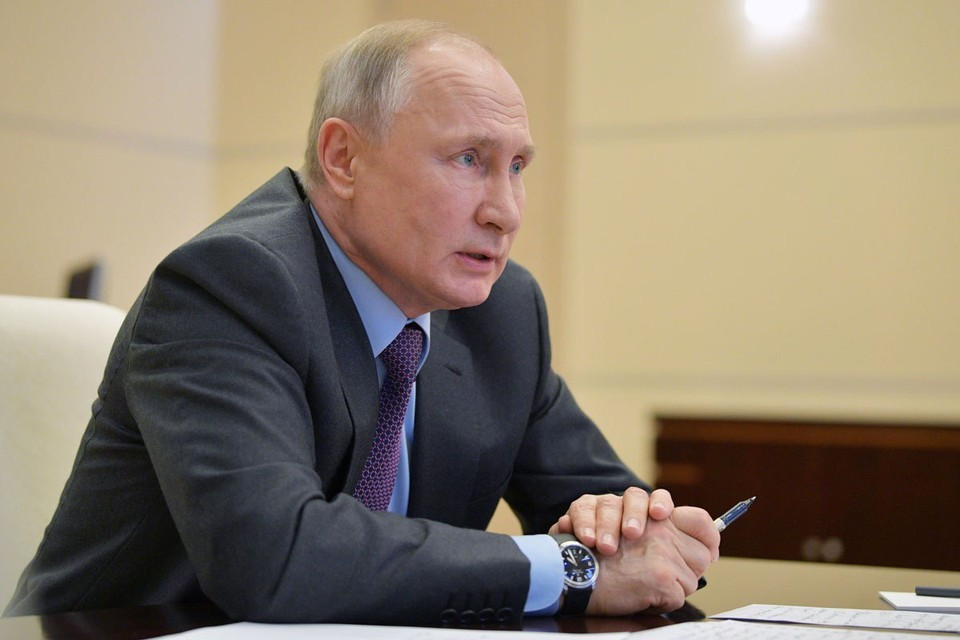 Владимир Путин поручил до 30 апреля представить план-график разработки вакцин для профилактики коронавирусной инфекции