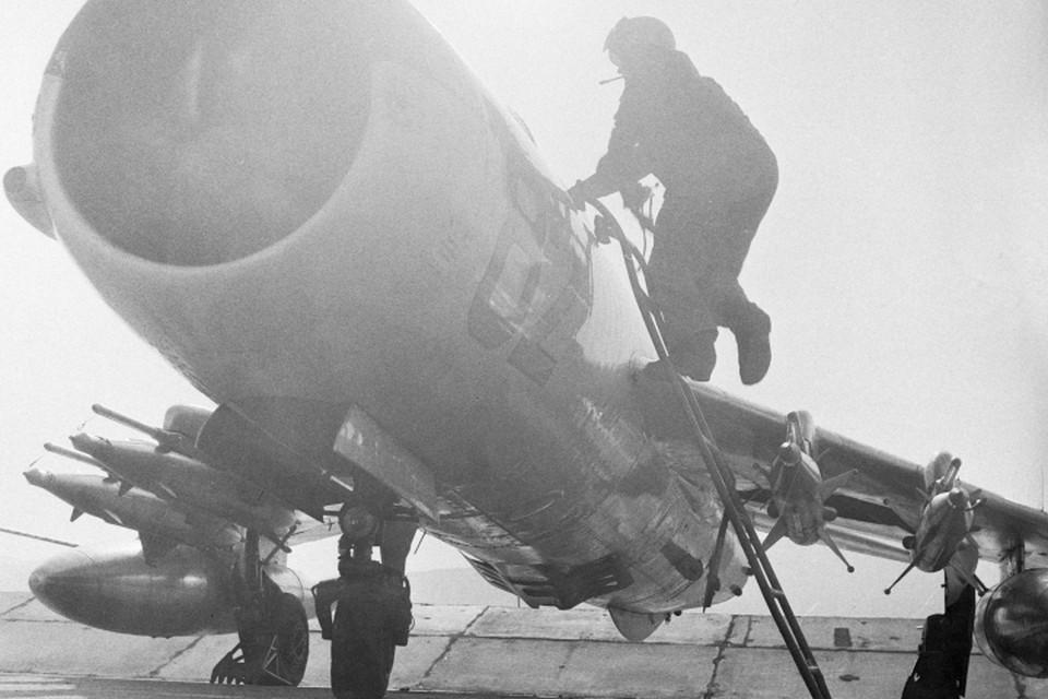 Миг-19 попал в зону обстрела своих же сил противовоздушной обороны. Фото: ТАСС