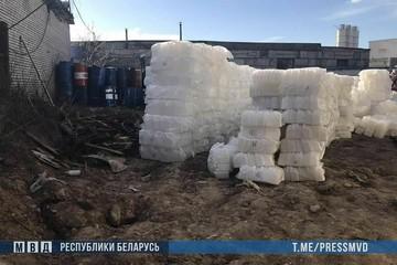В Минске предприниматель продавал незамерзайку под видом антисептика: часть жидкости успела поступить в аптеки