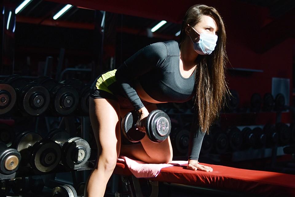 Хуже всего обстоят дела у фитнес-центров — их обороты упали на 90%
