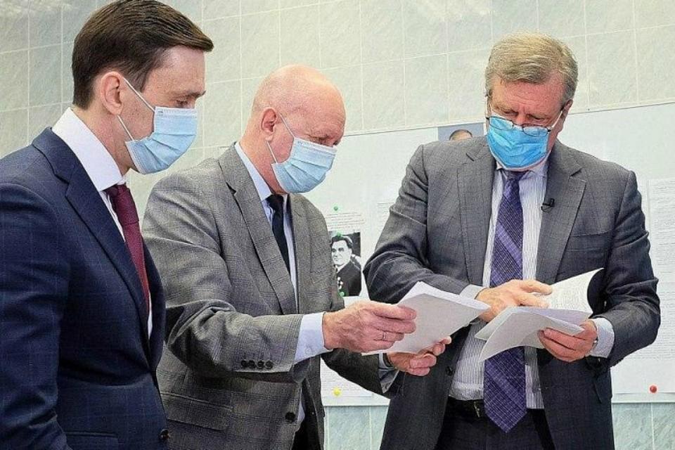 Глава региона вызвался быть добровольцем в испытаниях вакцины. Фото: kirovreg.ru