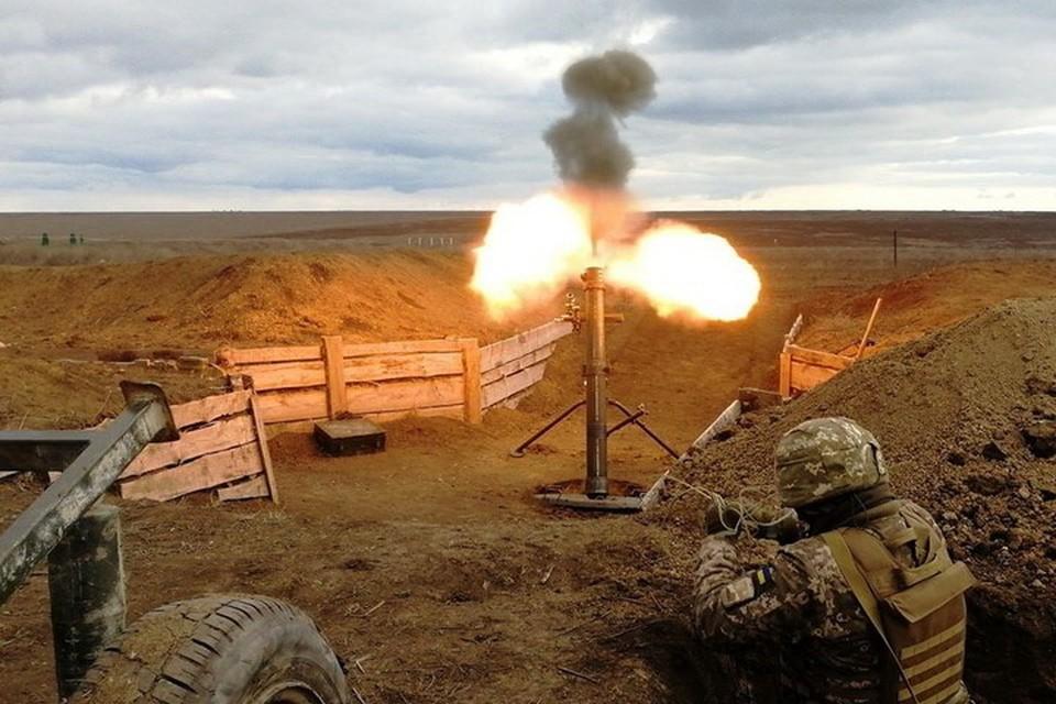 По мирным поселкам украинские военные стреляют из минометов. Фото: Пресс-центр штаба ООС