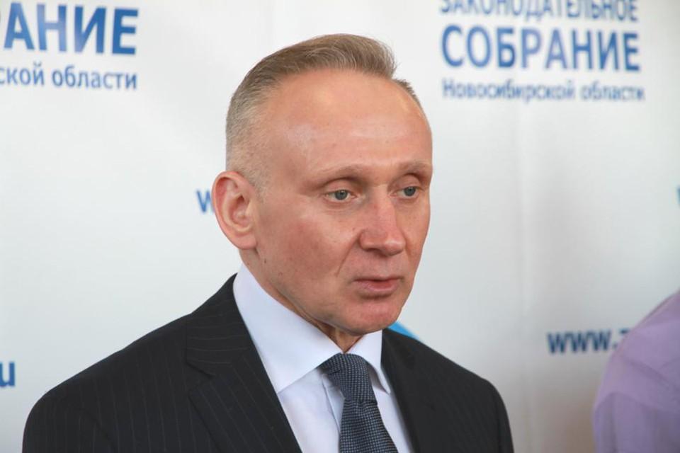 Андрей Панферов предложил включить в комплекс мер поддержки негосударственные образовательные учреждения.Фото: zsnso.ru