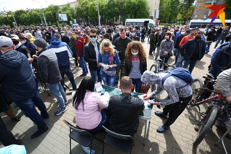 Как претенденты на кресло президента в Беларуси представлены в соцсетях?