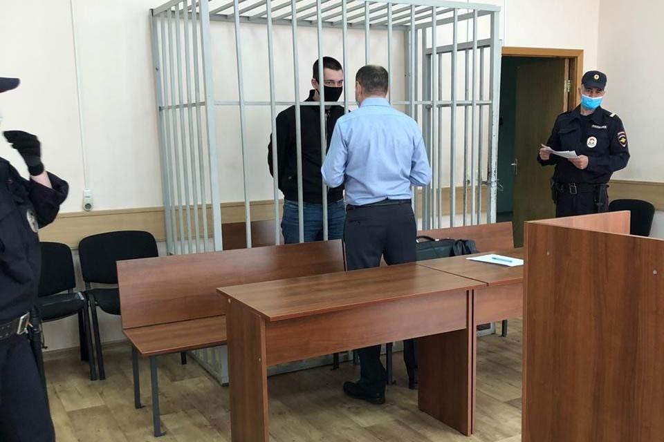 Судье Вадим Русанов заявил, что на месте перестрелки его даже не было. Фото: Чертановский суд