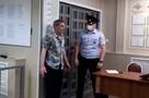 «Требовал открыть дверь самолета»: Пассажир рейса Екатеринбург – Краснодар устроил пьяный дебош