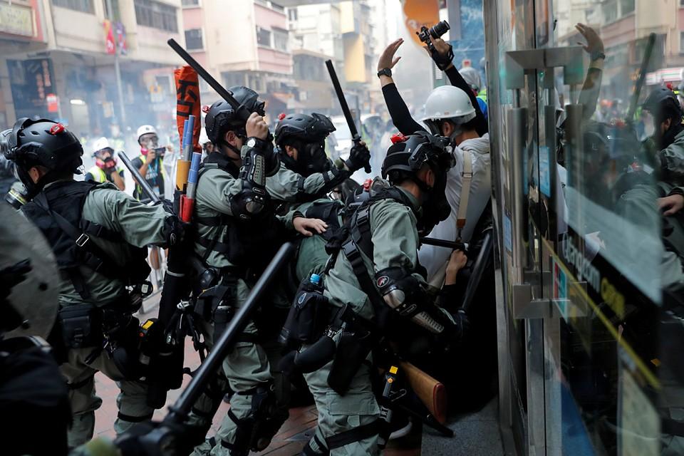 Накопленное людьми за карантин напряжение искало выход. И нашло