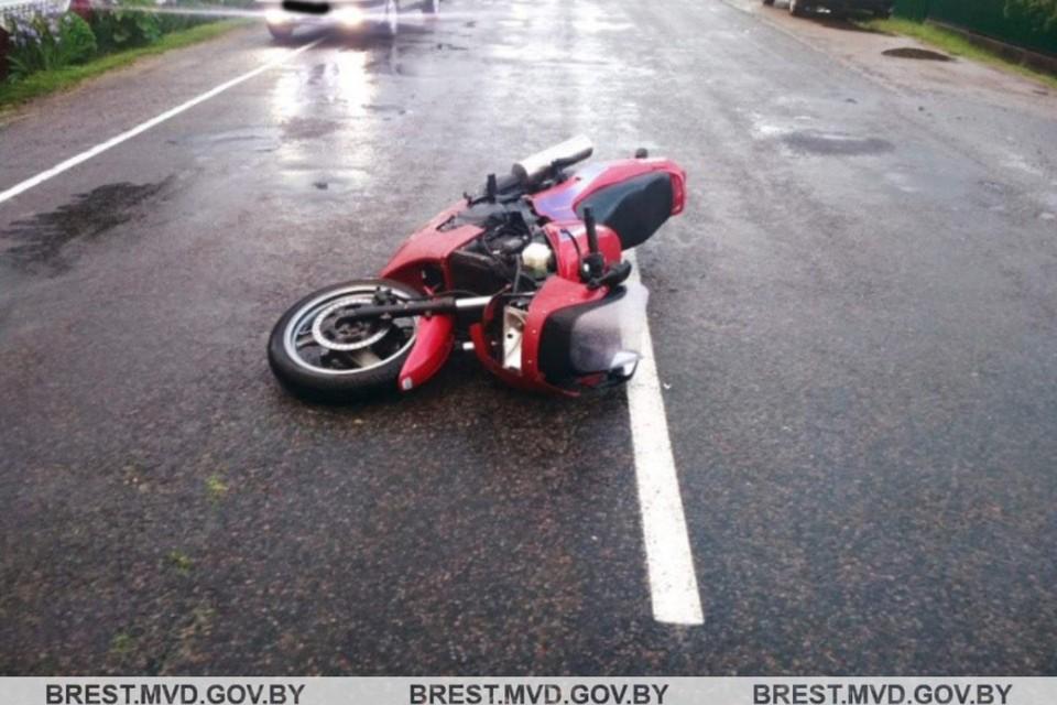 В Брестской области столкнулись велосипедистка с мотоциклистом. Фото: УВД Брестского облисполкома